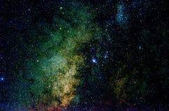 Sterren en van de de hemelnacht van de melkwegkosmische ruimte het heelalachtergrond stock foto