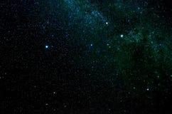 Sterren en van de de hemelnacht van de melkwegkosmische ruimte het heelalachtergrond Stock Afbeeldingen