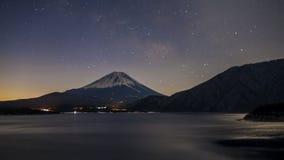 Sterren over Fujiyama royalty-vrije stock foto