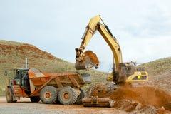 Sterri del macchinario minerario immagine stock