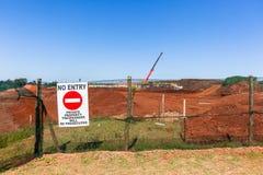 Sterri della costruzione nessun progetti del segno dell'entrata Fotografia Stock Libera da Diritti
