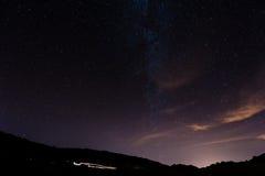 Sterrige Nacht boven Tenerife Stock Afbeeldingen