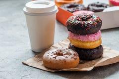 Sterta asortowani donuts obrazy stock