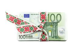 Sterta Euro banknoty z faborkiem 100 banknot?w euro fotografia stock