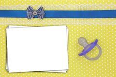Sterta papierów prześcieradła i błękitny pacyfikator obrazy royalty free