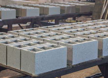 Sterta precast zbrojone betonowe płyty w budynek fabryki warsztacie Zdjęcia Royalty Free