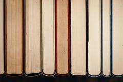 Sterta stare, brudne książki, obraz stock