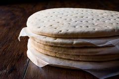 Sterta Zamarznięta pizzy baza, ciasto lub obrazy stock