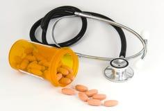 Stethoscoop en geneeskunde Stock Afbeelding