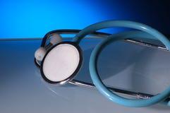 Stethoscoop met blauwe backgrou Stock Afbeelding