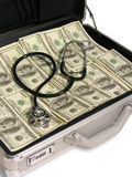 Stethoscoop op Contant geld Stock Foto's