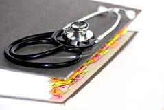 Stethoscoop op medische omslag Stock Foto's
