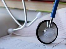 Stethoscoop voor arts en medische pleegmensen in het ziekenhuis, het helen van patiënten Stock Foto's