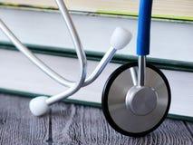 Stethoscoop voor arts en medische pleegmensen in het ziekenhuis, het helen van patiënten Royalty-vrije Stock Fotografie