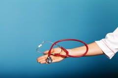 Stethoscoopclose-up in doctor& x27; s hand Royalty-vrije Stock Fotografie