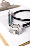 Stethoscope on Clipboard Royalty Free Stock Photos
