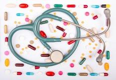 药物和stethoscope.health概念 免版税图库摄影