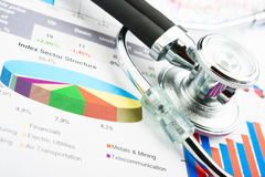 Stethoscope and statistics graphic Royalty Free Stock Images