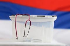 Stethoskop hängt an der Wahlurne nahaufnahme Stockfotografie