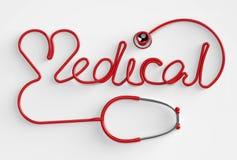 Stethoskop medizinisch und Herz Lizenzfreie Stockfotos