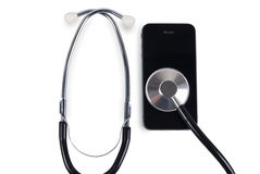 Stethoskop mit intelligentem Telefon Stockfotografie