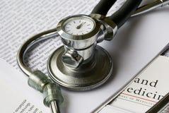 Stetoscopio con l'orologio Immagini Stock
