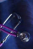 Stetoscopio medico nel fondo bianco Immagini Stock