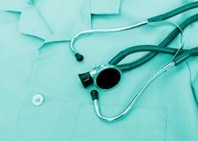 Stetoscopio sull'uniforme Fotografia Stock Libera da Diritti