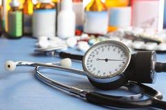 Stetoskop i butelki medycyny Zdjęcia Royalty Free