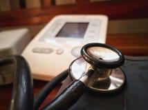 Stetoskop i cyfrowy sphygmomanometer obraz royalty free