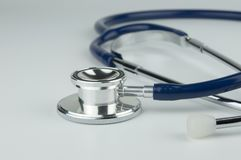 Stetoskop Medicin och diagnostik Royaltyfria Bilder