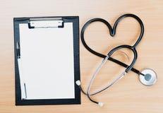 Stetoskop medicinsk utrustning fotografering för bildbyråer