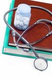 stetoskop medycznych książek Zdjęcie Royalty Free