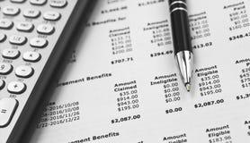 Steuer-Taschenrechner und Stift lizenzfreies stockfoto