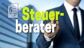 Steuerberater i tyskt Skatt-revisor begrepp visas av affärsmannen royaltyfria bilder