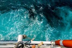 Steuerbordseite einer Fähre auf dem adriatischen Meer Lizenzfreie Stockfotos