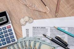 2017 Steuerformular - w4 Stockbilder