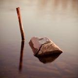 Steuerknüppel und Stein Stockfotografie