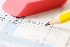 Steuern: Reparieren eines Fehlers auf Steuerformular Stockfotografie