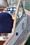 Steuern Sie Plattform einer Yacht Stockbild
