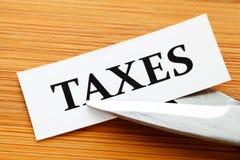 Steuern ziehen ab Lizenzfreies Stockfoto