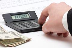 Steuerrückerstattungsberechnung Stockfotos