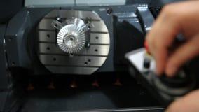 Steuerung der Werkzeugmaschine stock video footage