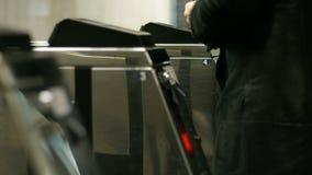 Steuerung von Passagieren stock video