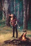 Steun en zorgconcept Paar die in liefde wandelen, royalty-vrije stock afbeelding