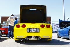 Steun van een geel Korvet Royalty-vrije Stock Foto's