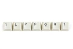 Steun van verspreide toetsenbordsleutels op wit Stock Foto's