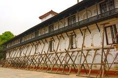 Steun voor de Aardbeving Beschadigde Bouw royalty-vrije stock fotografie