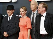 Steven Spielberg, Amy Ryan et Tom Hanks assistent à la première allemande du pont des espions Photo libre de droits