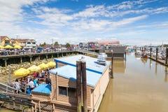 Steveston村庄的渔人码头浮动餐馆在Ri 图库摄影